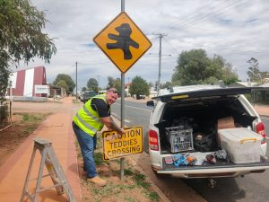 Tambo Teddies Crossing Sign